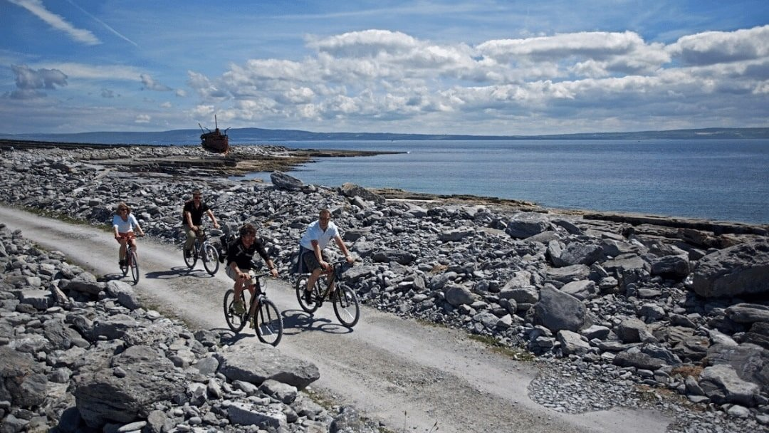 bicyclers along Irelands Wild Atlantic Way