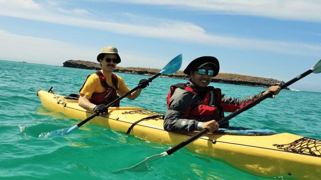 2 kayakers in yellow kayak in Baja Mexcio