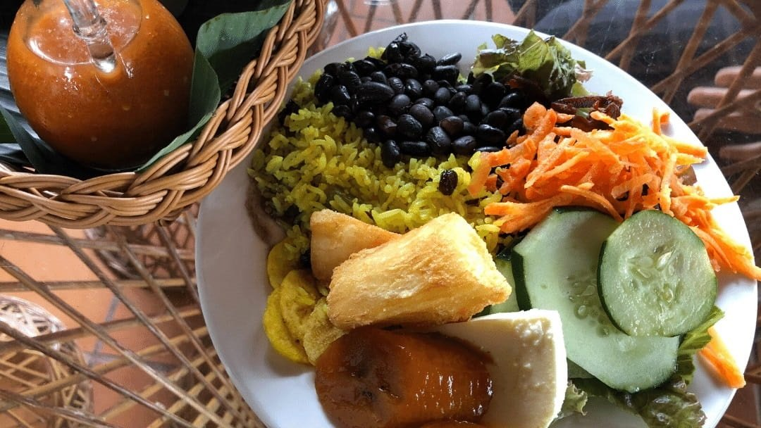 plate of casado meal in Costa Rica
