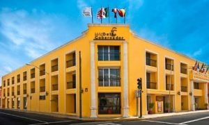 yellow hotel Del Gobernador